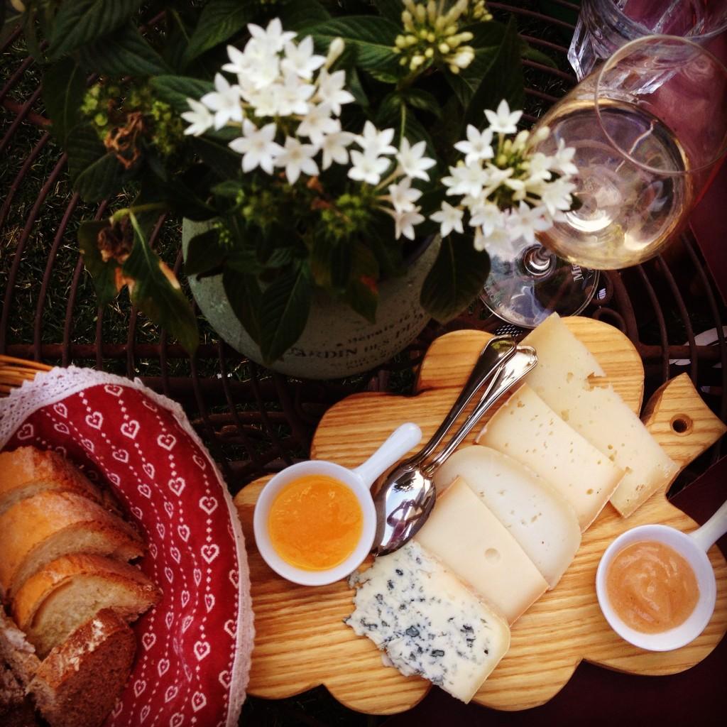 Il tagliere di formaggi con marmellate del Ristorante Laghetto di Brusson.