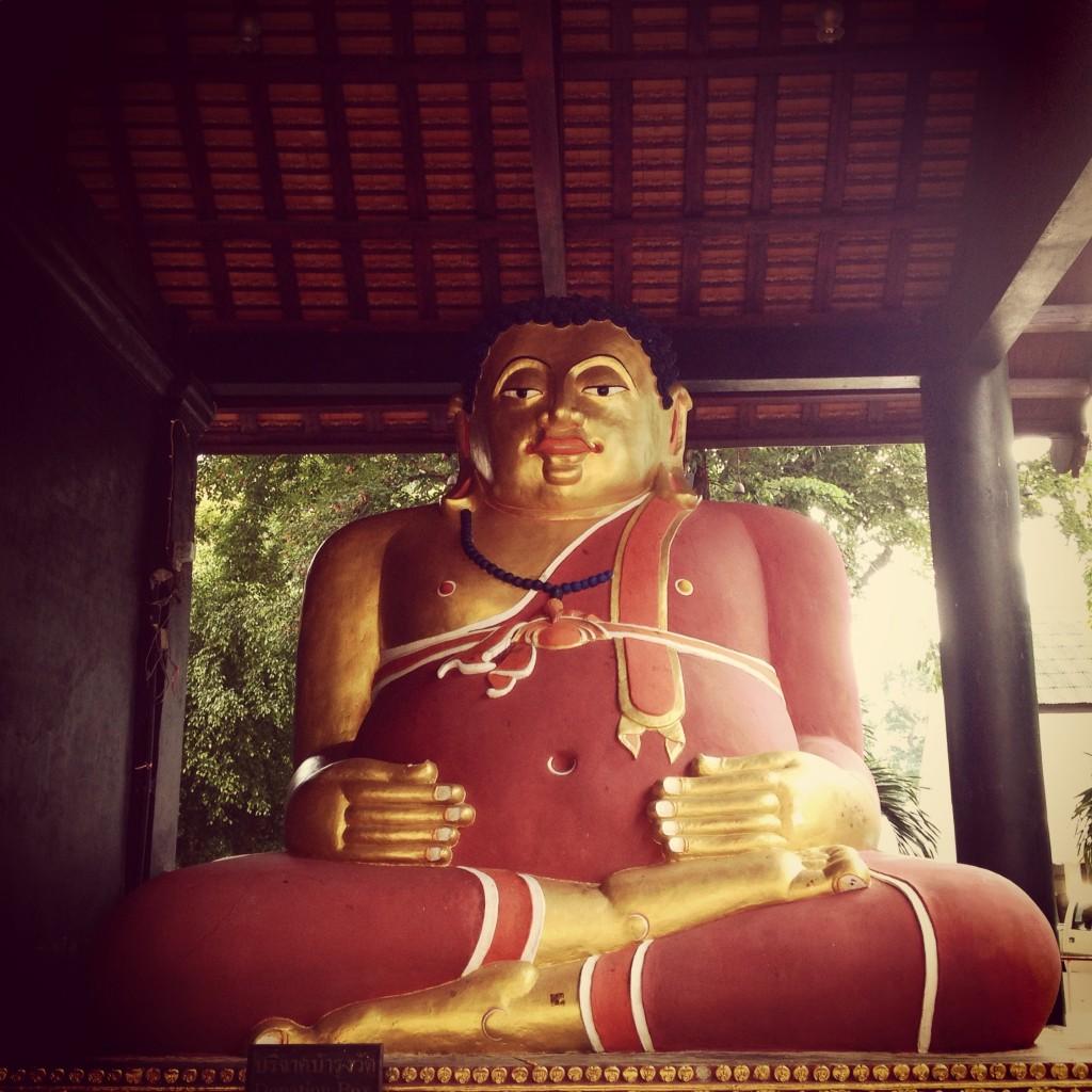La statua di una divinità, in armonia con il mondo.