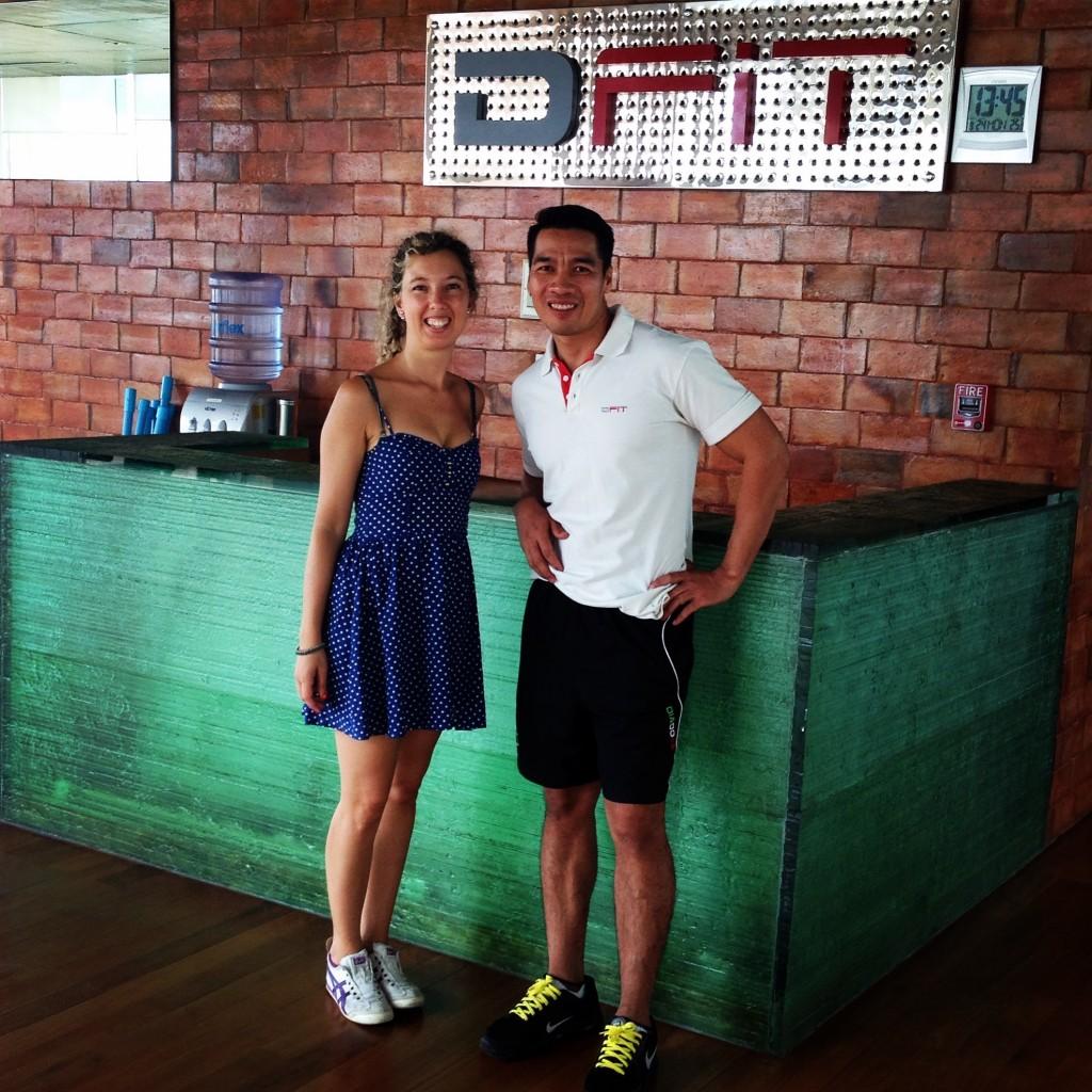 Con il mio personal trainer nella palestra del DusitD2.