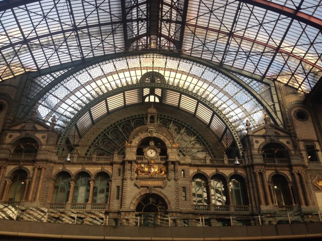 Stazione Centrale di Anversa @oltreilbalcone