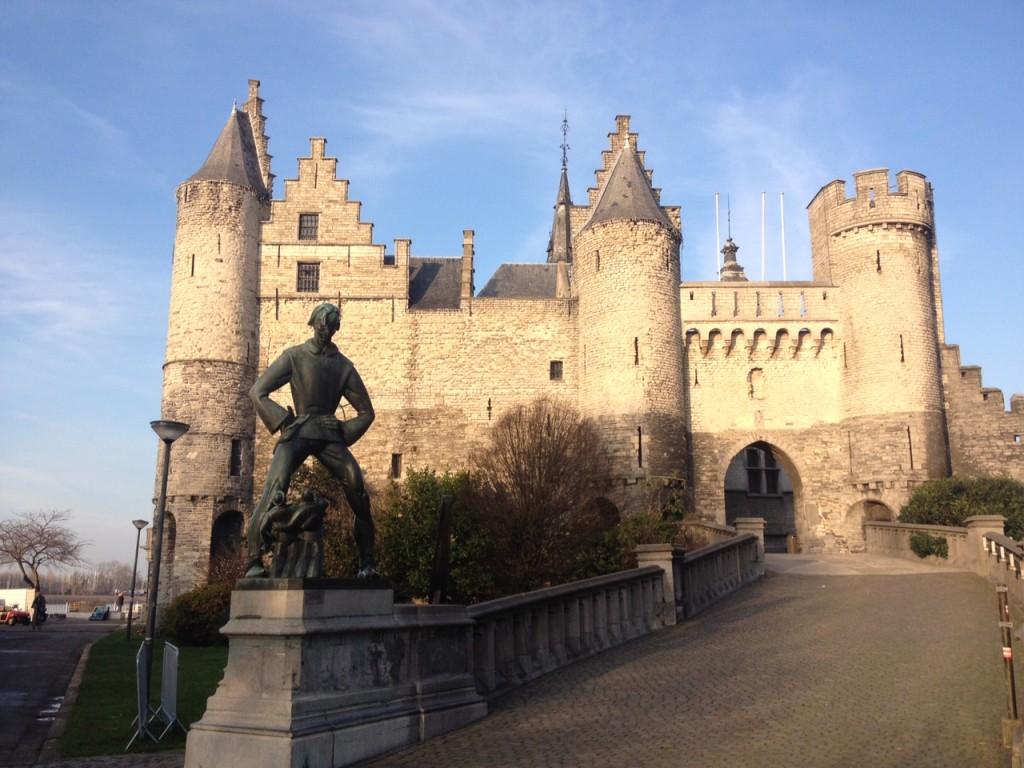 Castello Het Steen, Anversa @oltreilbalcone