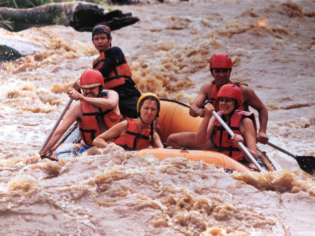 Rafting nel Mae Taeng National Park.