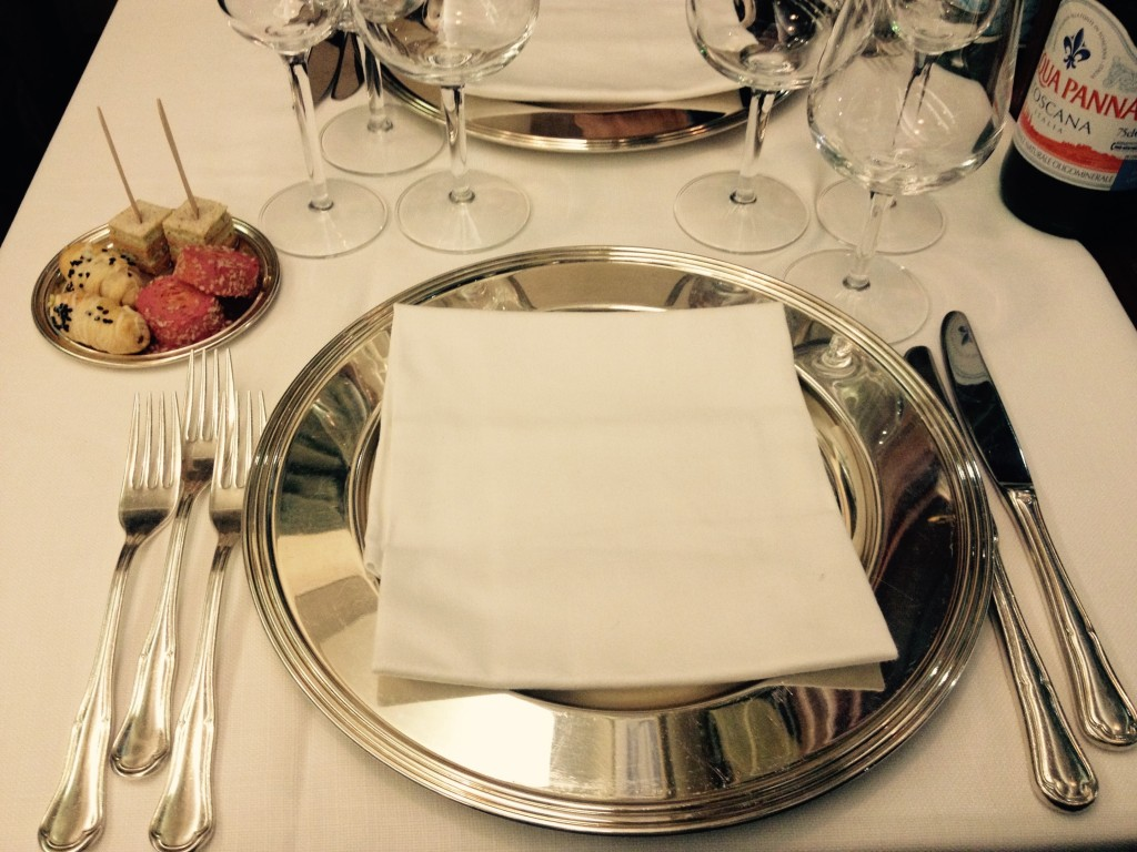 Amuse-bouche vegetariano: millefoglie al caprino, rucola e pomodori secchi @oltreilbalcone