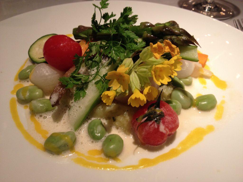 """""""Colori e verdure di stagione"""", piatto vegetariano da L'Impressioniste"""