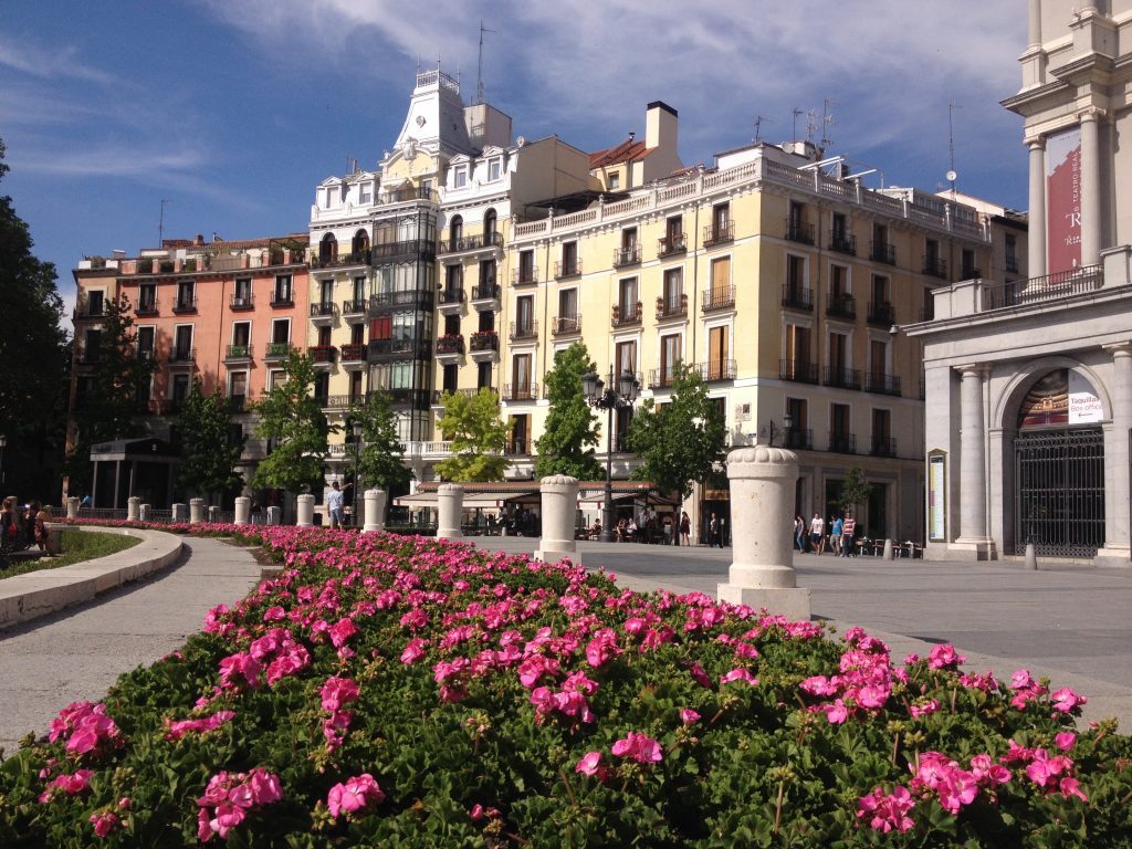 Plaza de l'Oriente. @oltreilbalcone