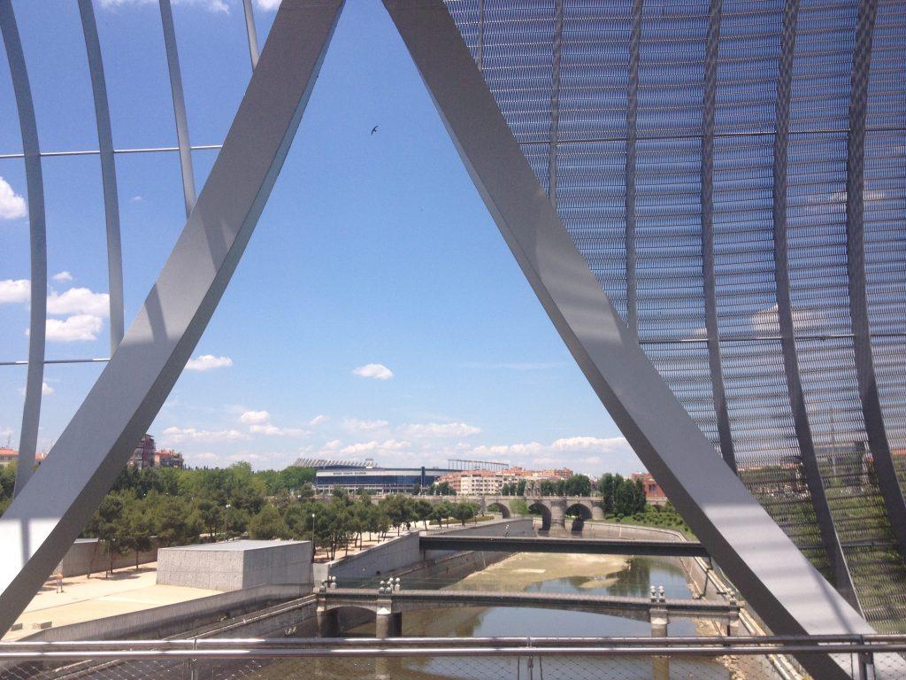 Veduta dal ponte pedonale di Arganzuela. @oltreilbalcone