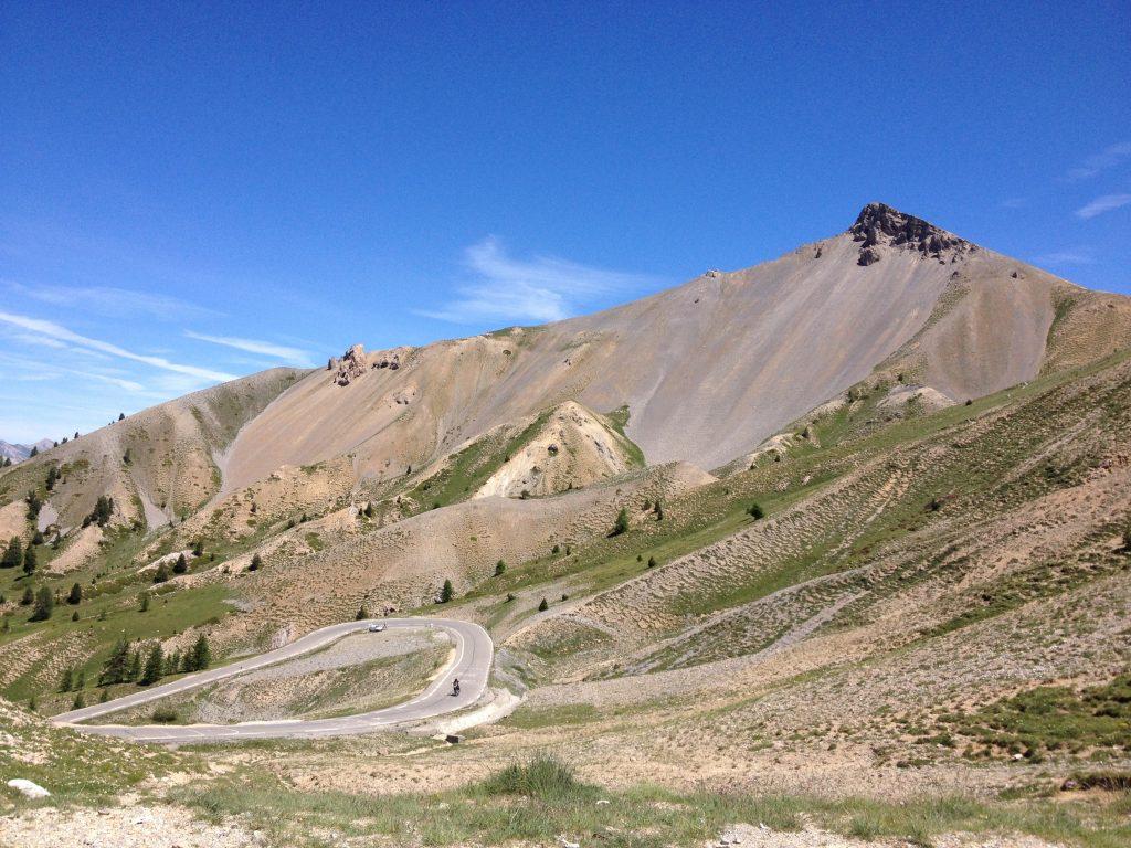 La strada che da Briançon porta al Colle dell'Izoard. @oltreilbalcone