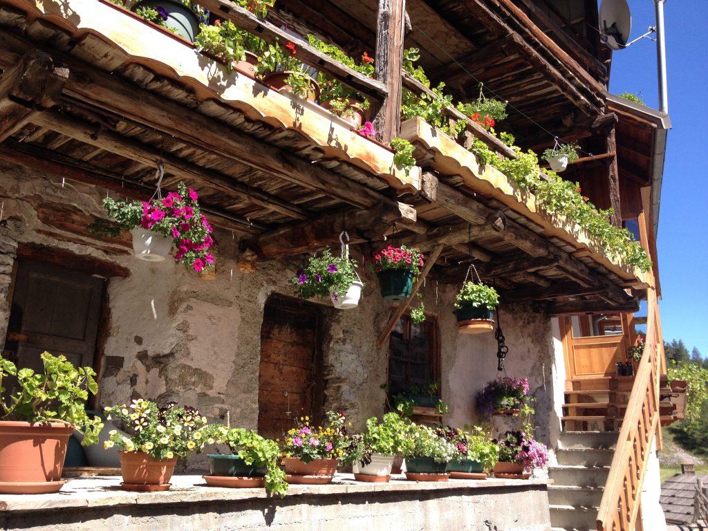 Balcone fiorito a Souliers. @oltreilbalcone