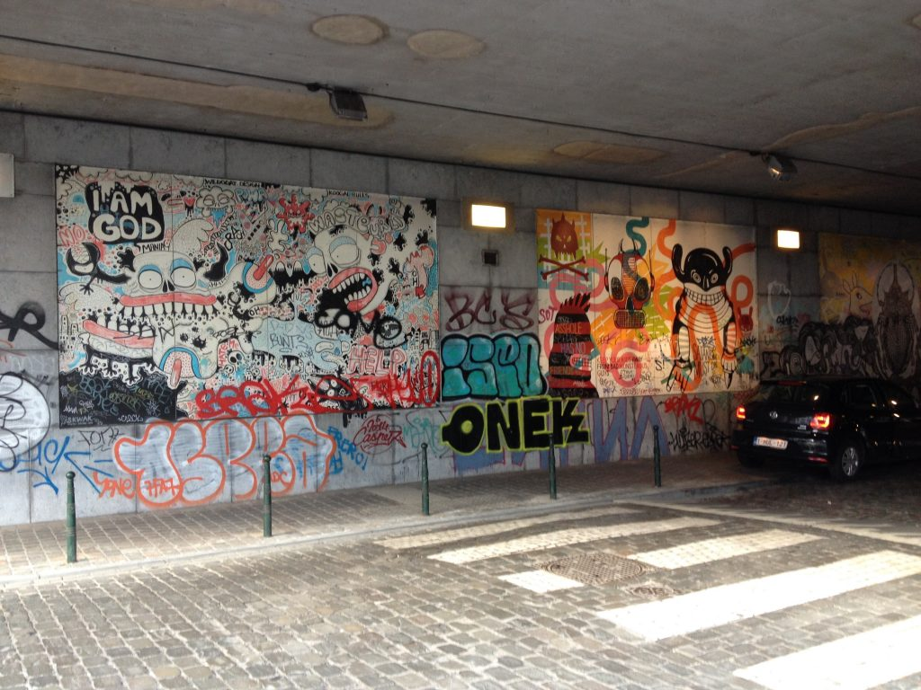 Lo scalo ferroviario Nord-Midi, un'area artistica vivace di Les Marolles. @oltreilbalcone