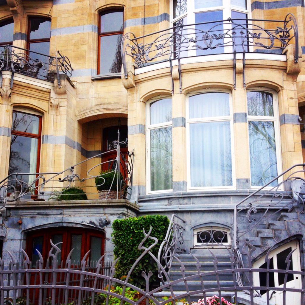 Una casa in stile Art Nouveau a Ixelles. @oltreilbalcone