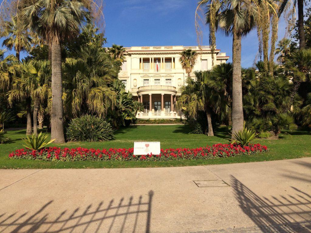 Uno dei bei giardini di Nizza.