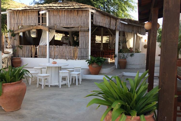 Il grazioso dehors del ristorante Fon'Banana, Boa Vista