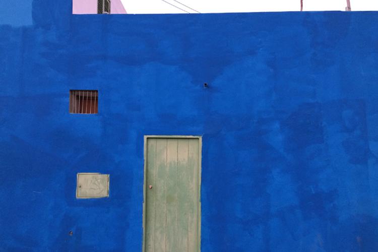 casetta dipinta di blu a Sal Rei, Boa Vista