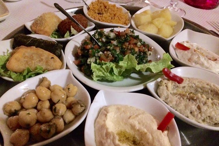 I piattini vegetariani proposti dal ristorante Moyen-Orient