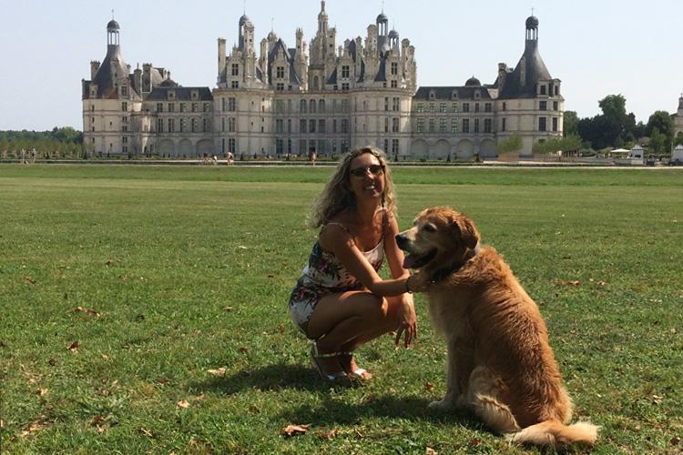 Con il mio cane Felakuti nel parco del Castello di Chambord.