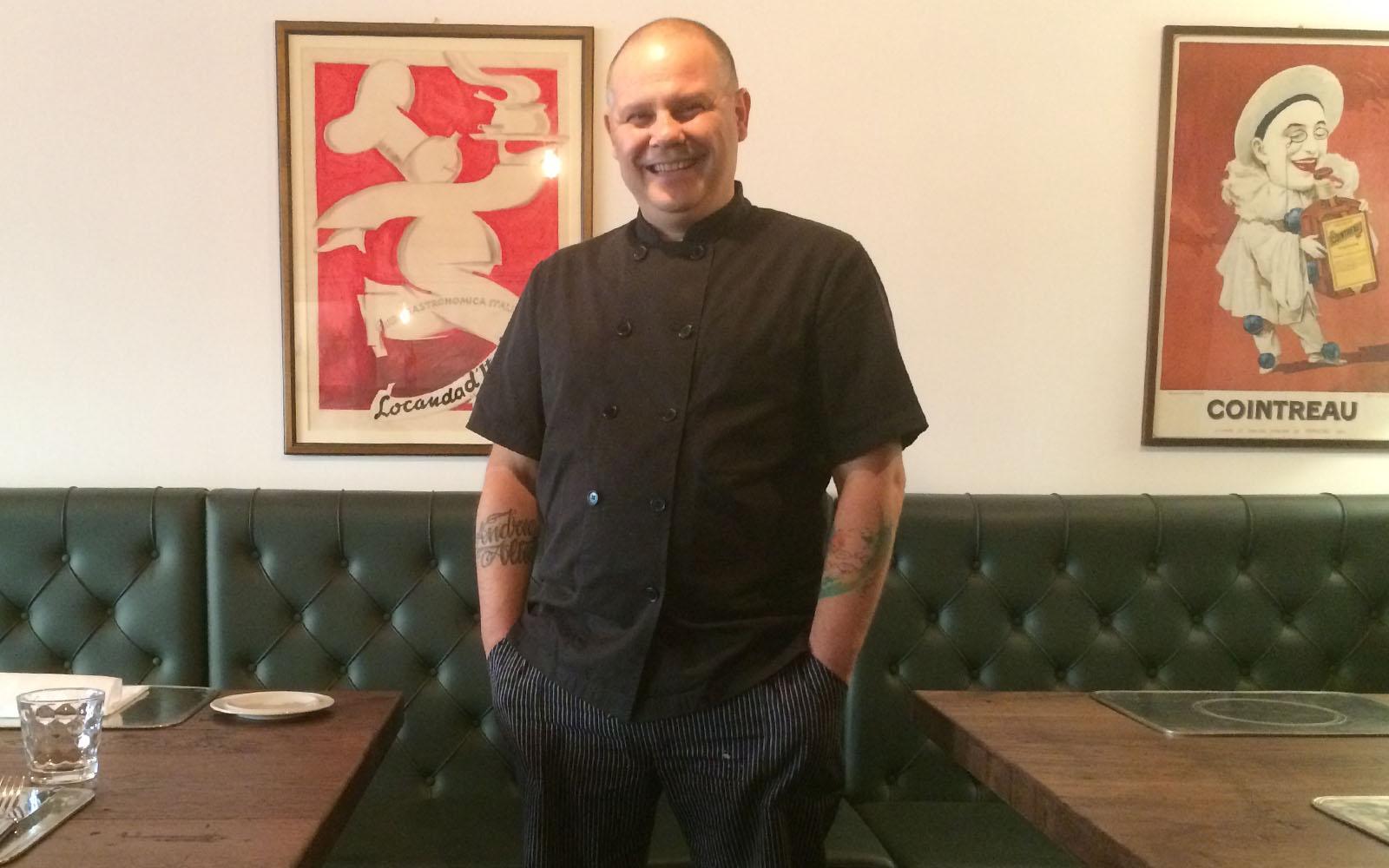Lo chef Giuseppe Giuliani nel suo ristorante di Aosta.