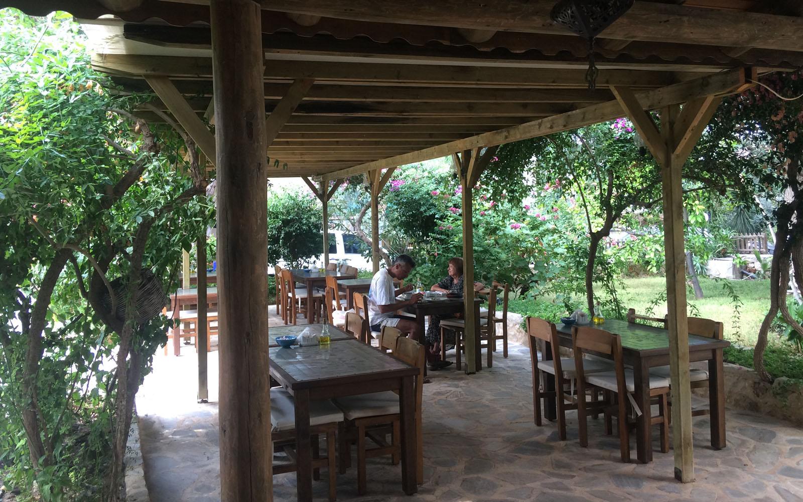 Il rilassante angolo living del Dardanos Hotel di Patara.