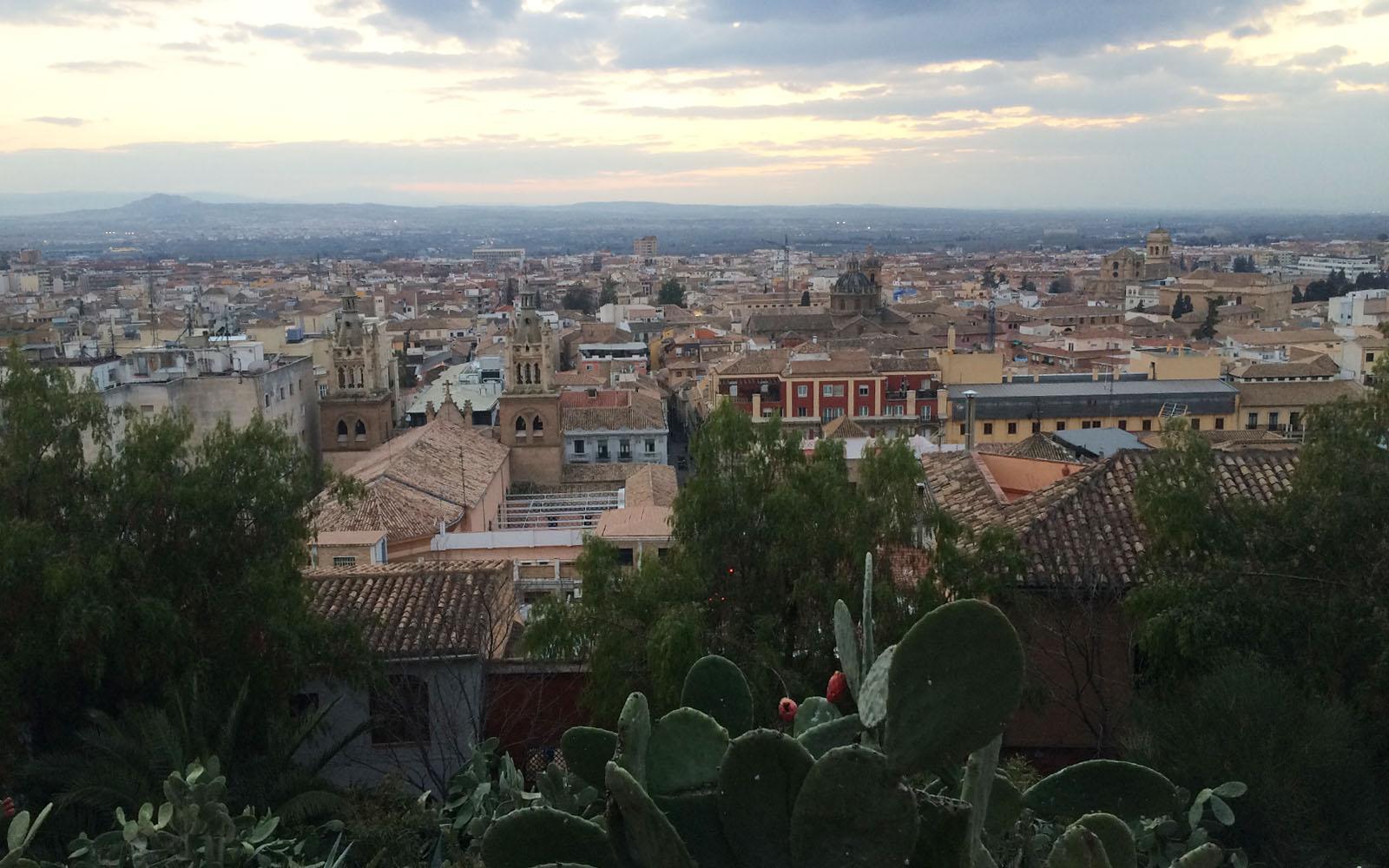 Veduta di Granada al tramonto dal mio mirador del cuore.