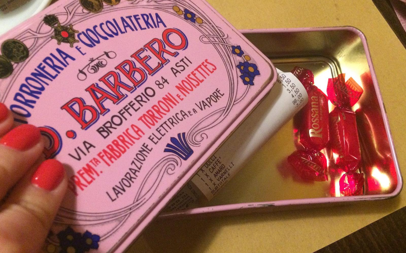Il conto, servito da Trippa in una scatola di latta vintage.