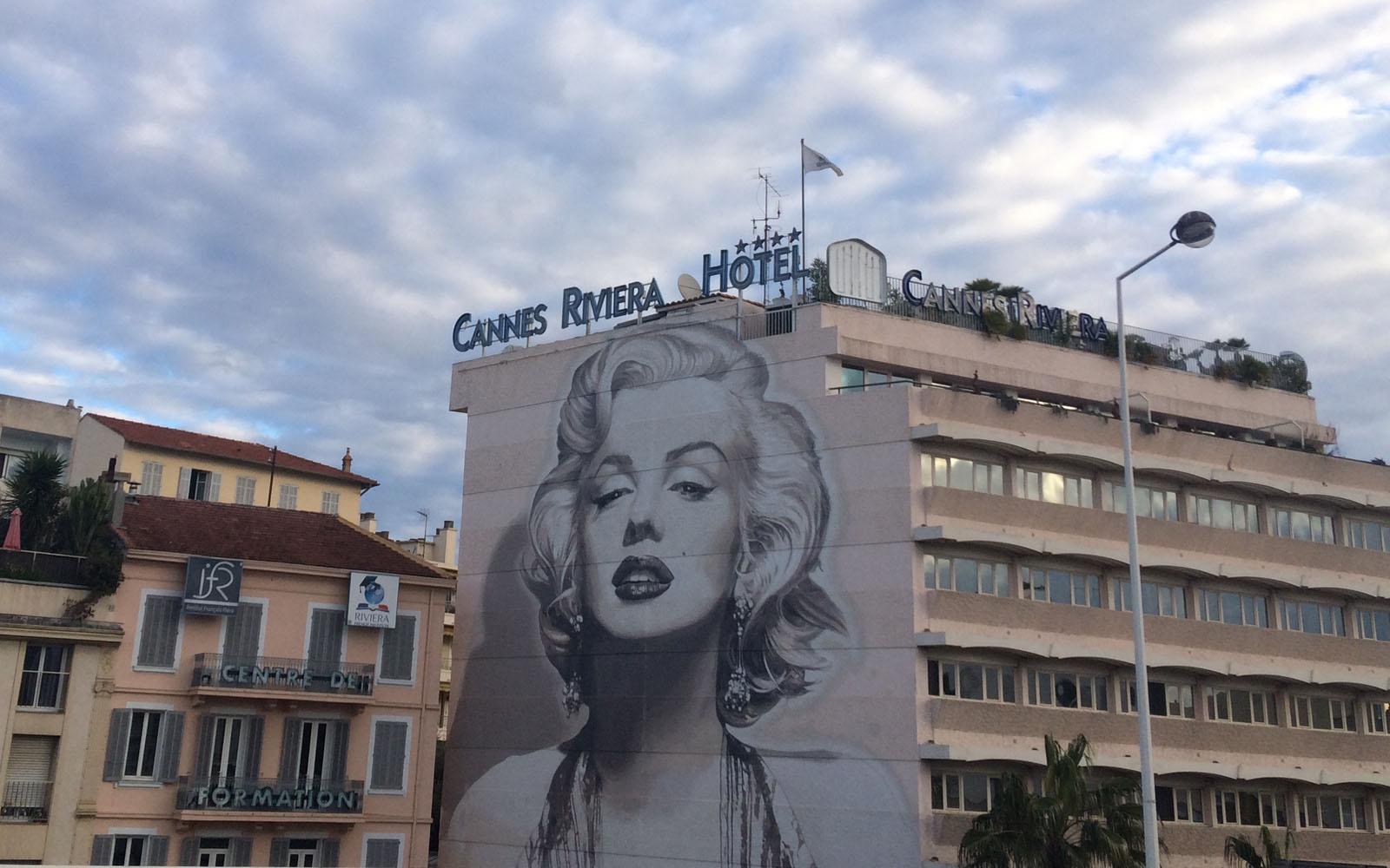 Il muro dedicato a Marilyn Monroe, in boulevard d'Alsace 16.