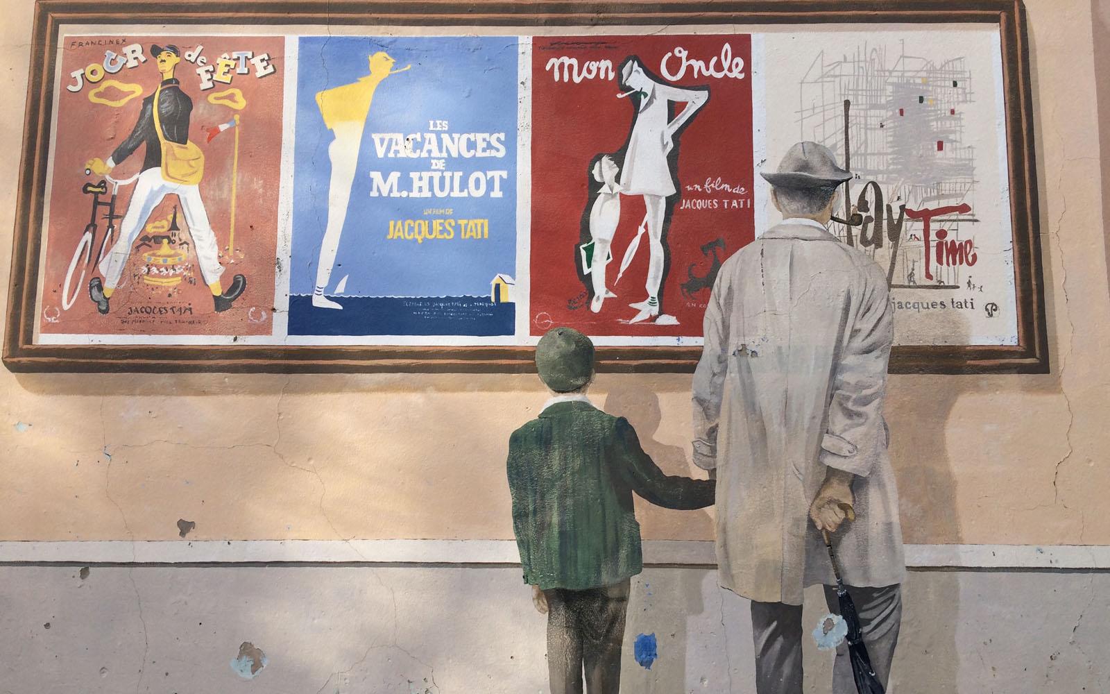 Uno scorcio del murale dedicato a Jacques Tati, lo zio di Francia.