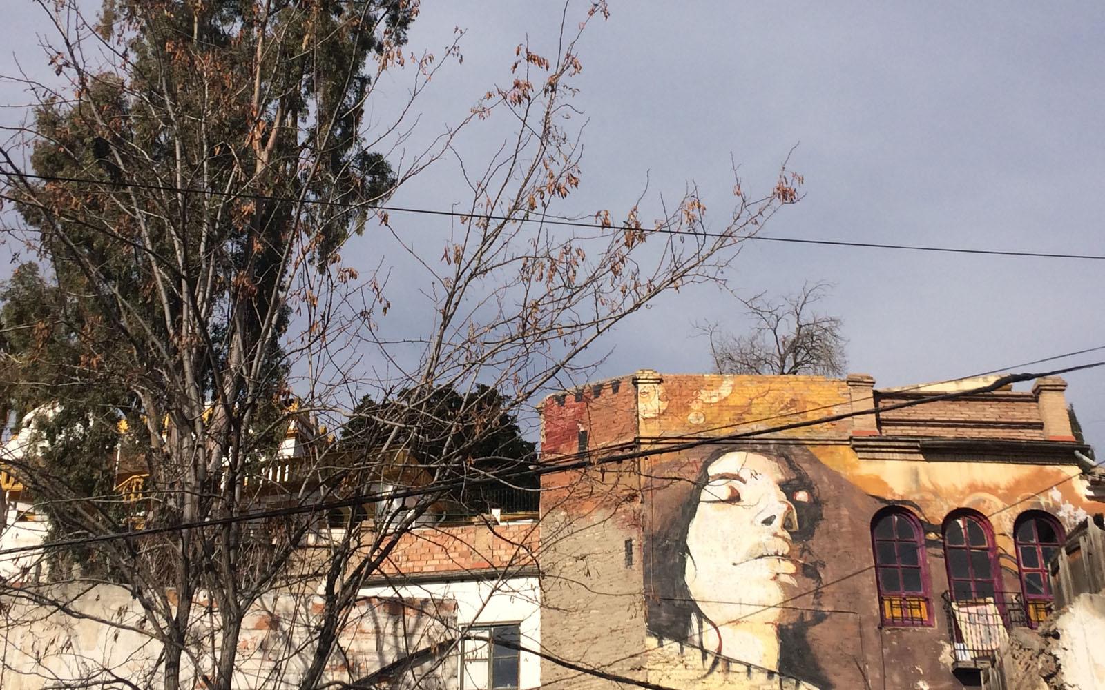 Il murales dedicato a Joe Strummer di El Niño de las Pinturas, a Granada.