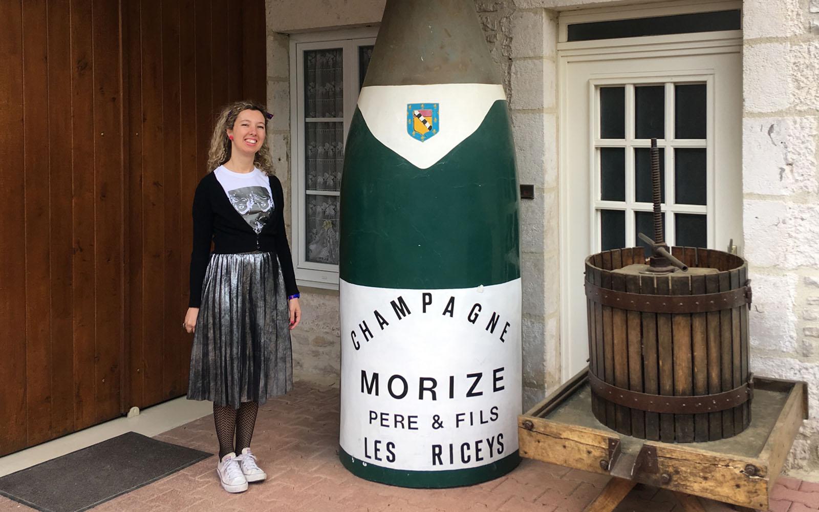 All'ingresso della cantina di Morize, nell'Aube.