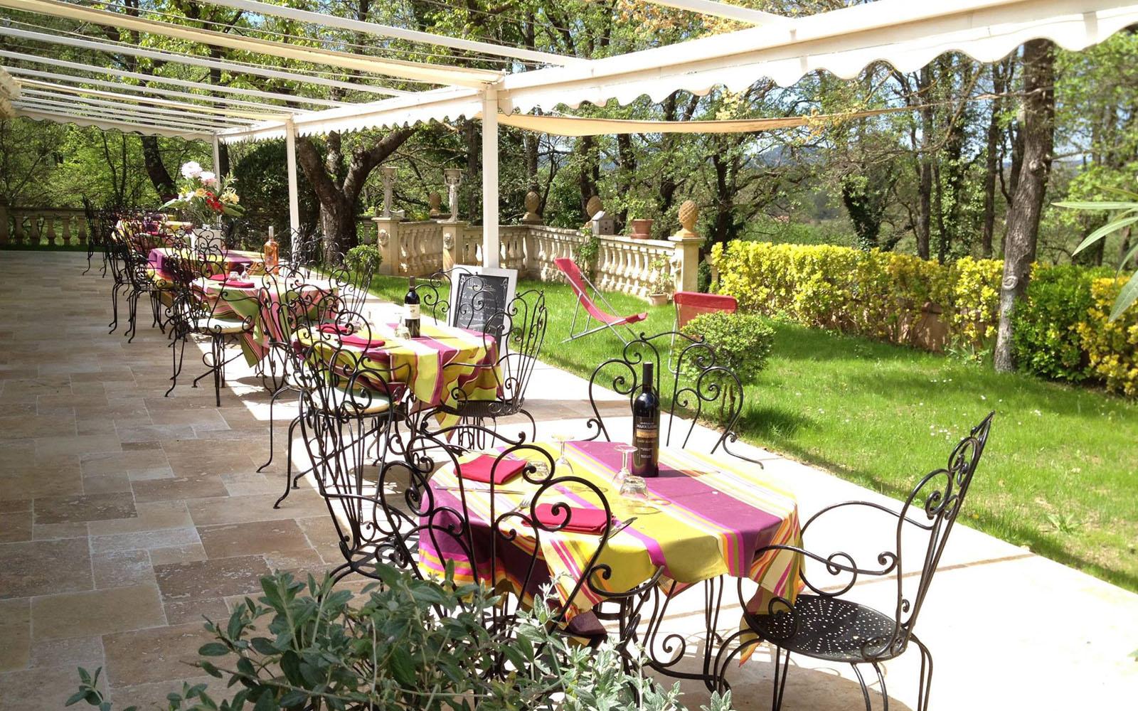 La veranda esterna del ristorante Au Bien Etre.