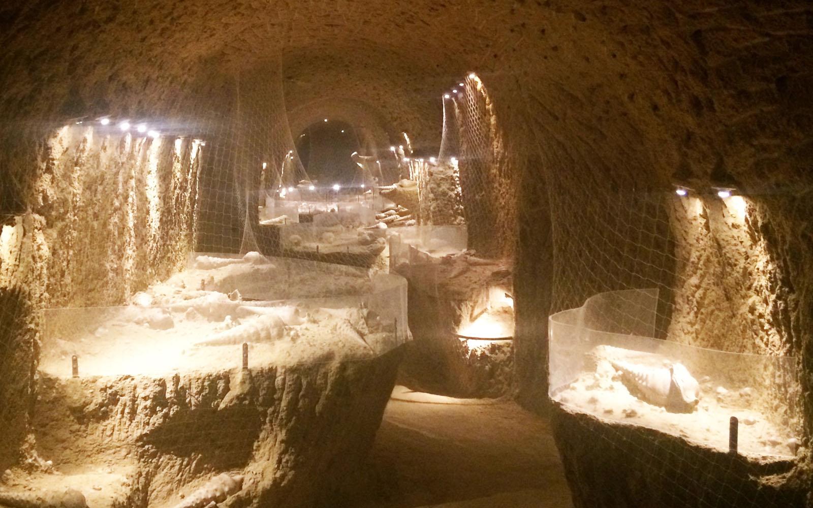 La visita sotterranea della Cave aux Coquillages della maison Champagne Legrand-Latour.