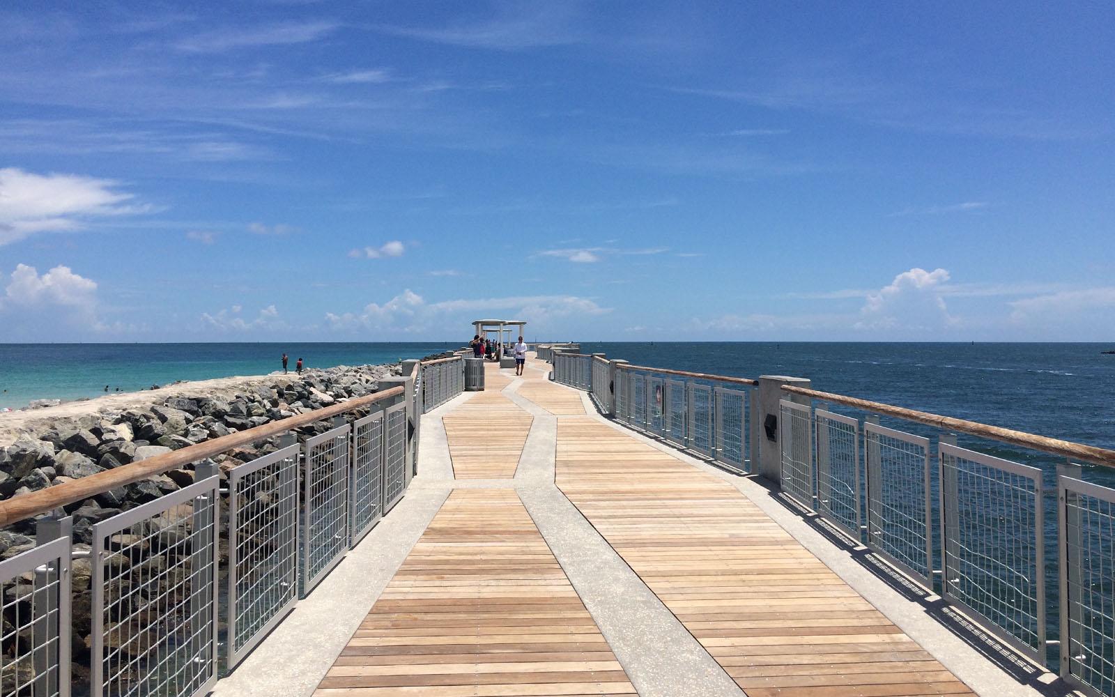 Il lungo molo di South Pointe Park, a Miami.