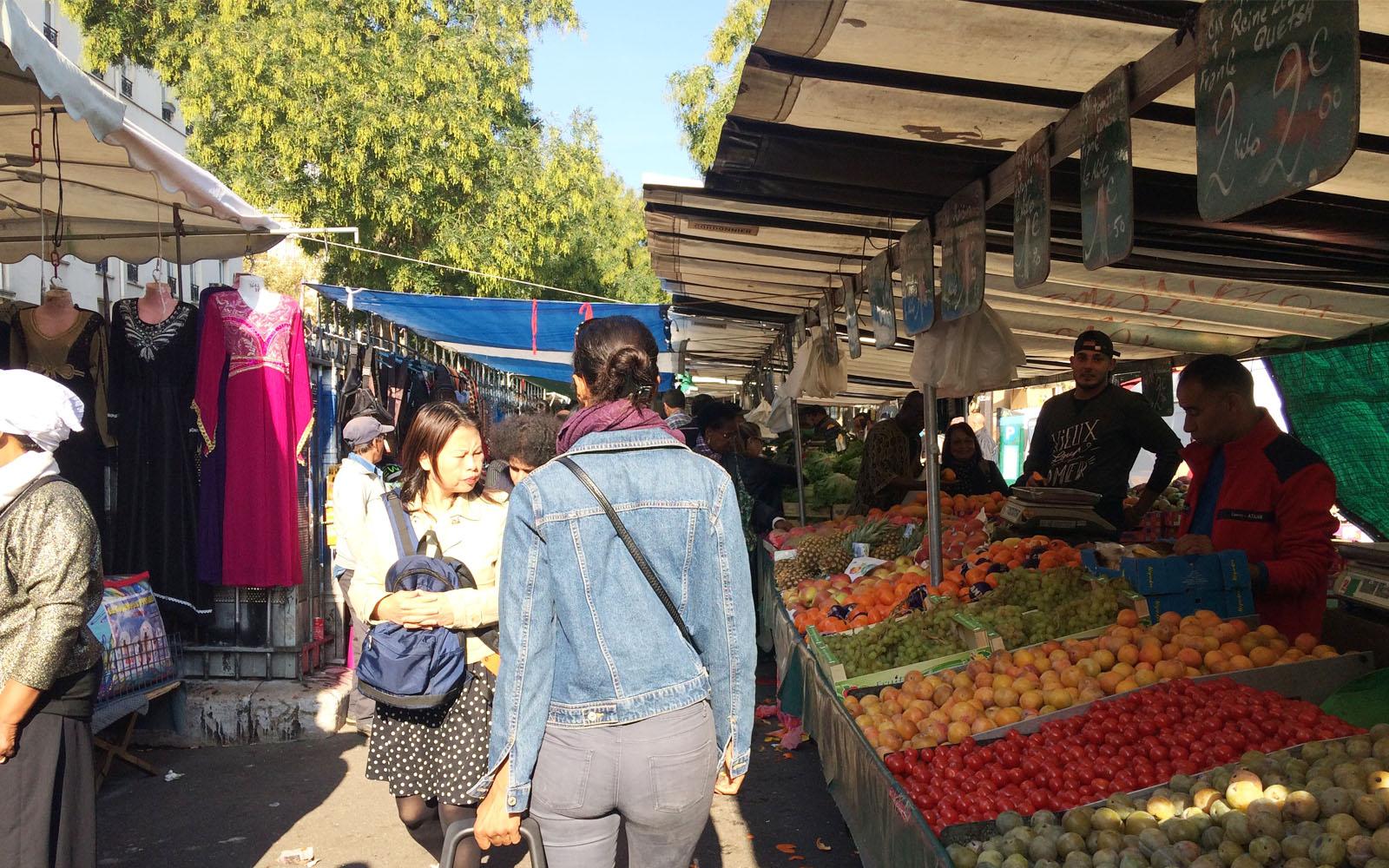 Il mercato di Belleville, che si tiene ogni martedì mattina.