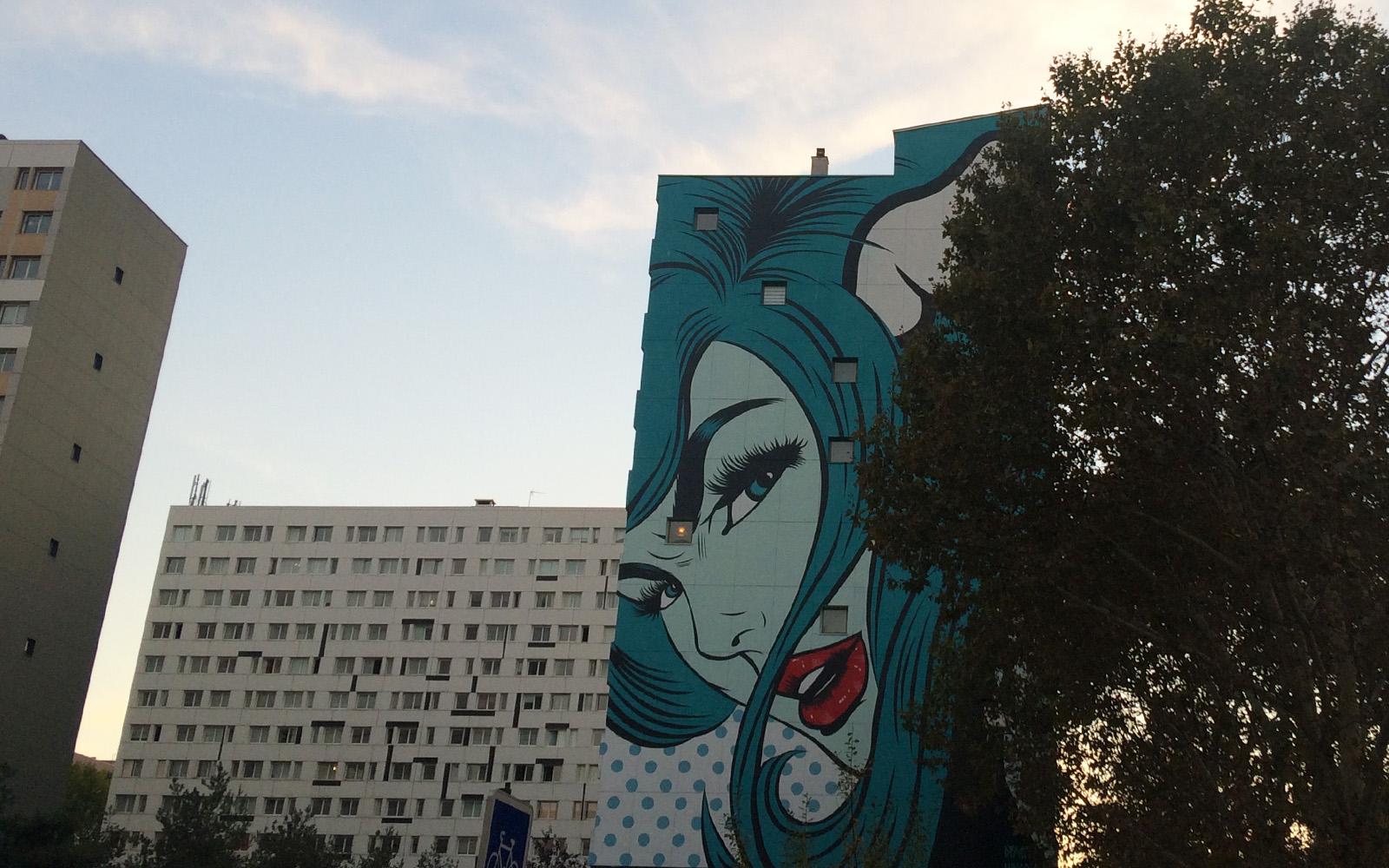 """Il murale """"D Face"""", a Parigi."""