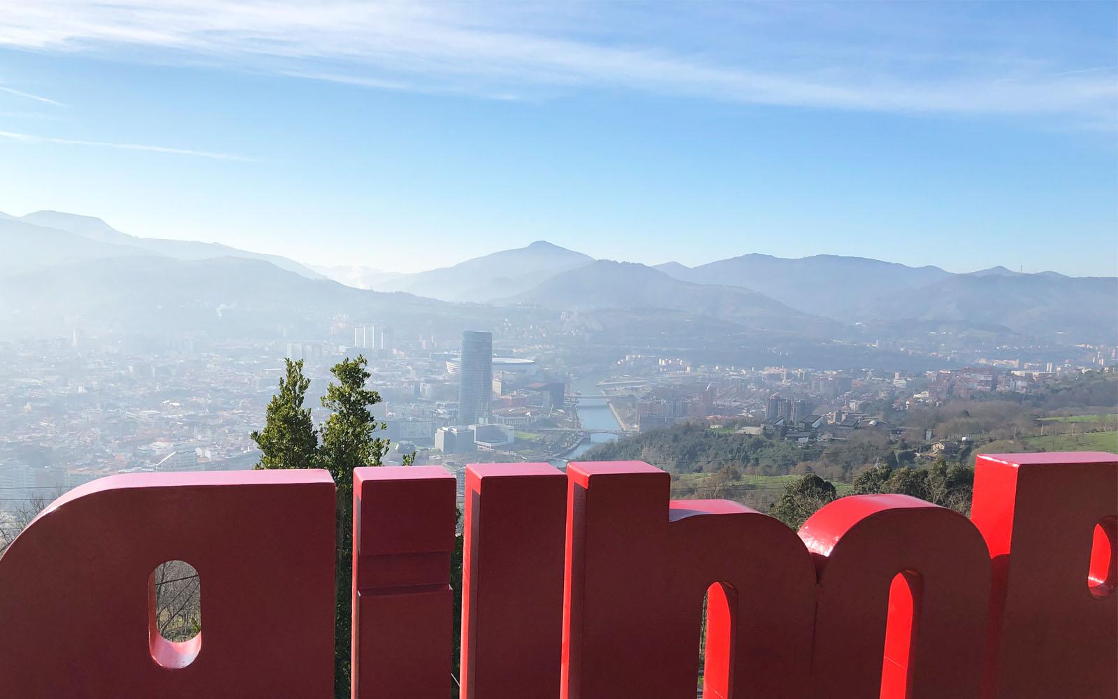 La veduta panoramica di Bilbao dal Monte Artxanda.