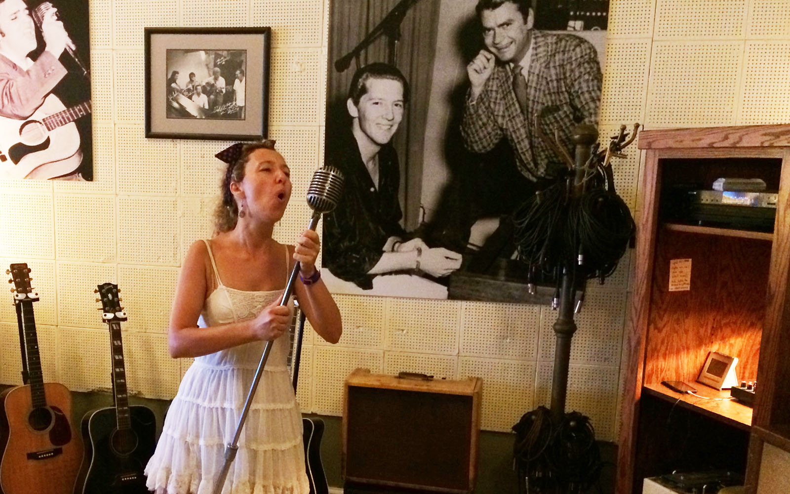 Nella sala di registrazione del Sun Studio dove ha inciso il Million Dollar Quartet.