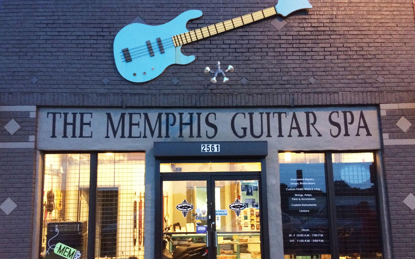 Un negozio di chitarre a Memphis.