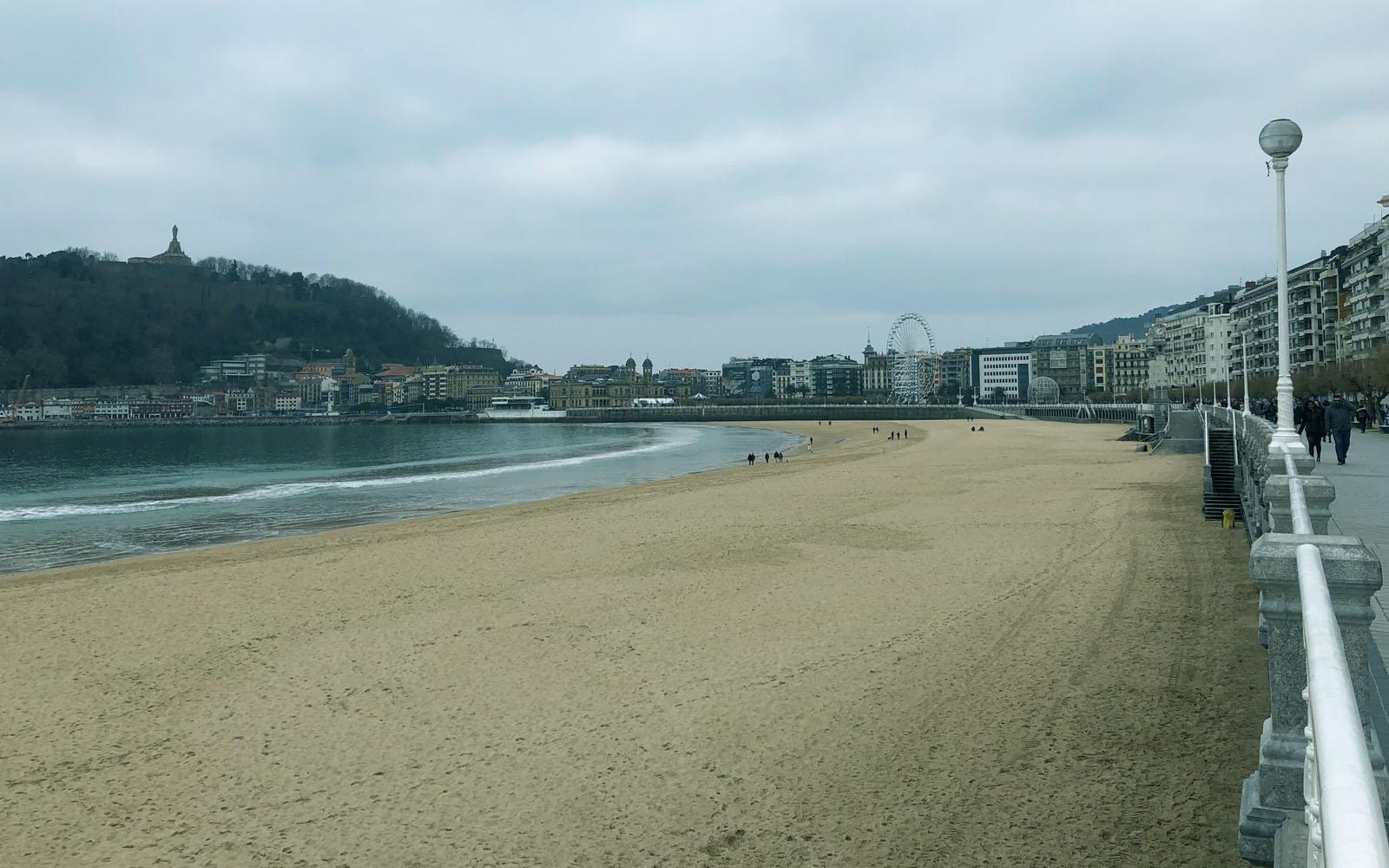 Il lungomare di San Sebastian in inverno.