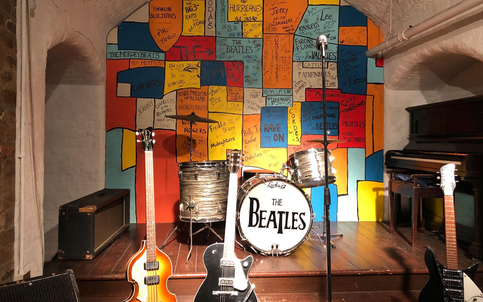 La ricostruzione del Cavern Pub nel museo The Beatles Story.
