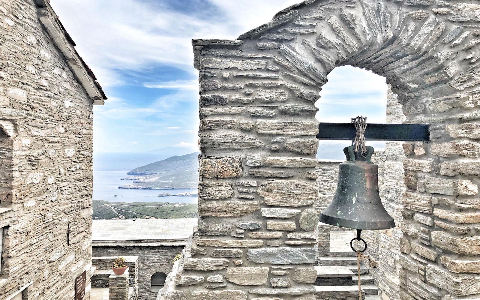 Il monastero di Santa Irene.
