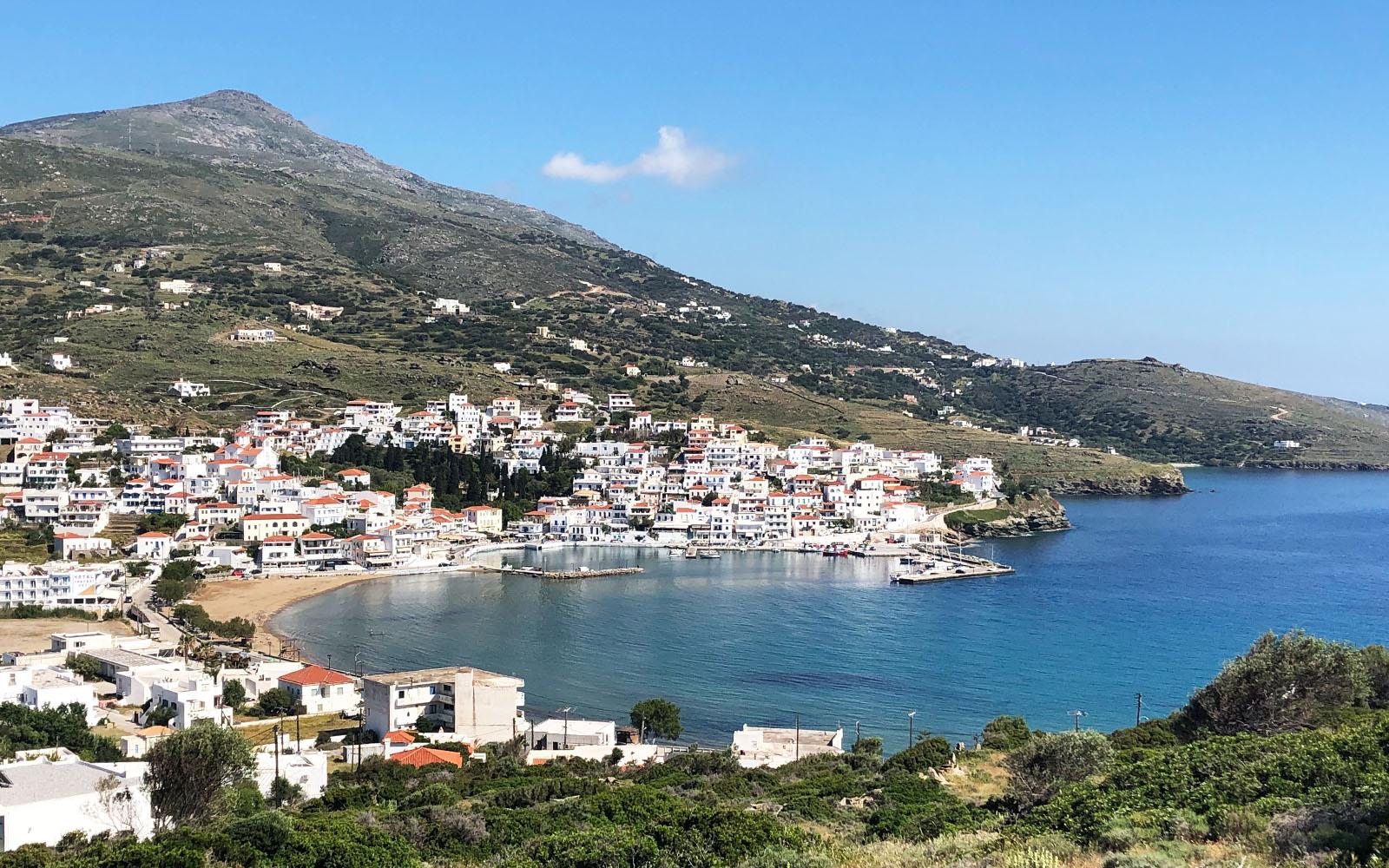 La cittadina di Batsi, ad Andros, nelle Cicladi.