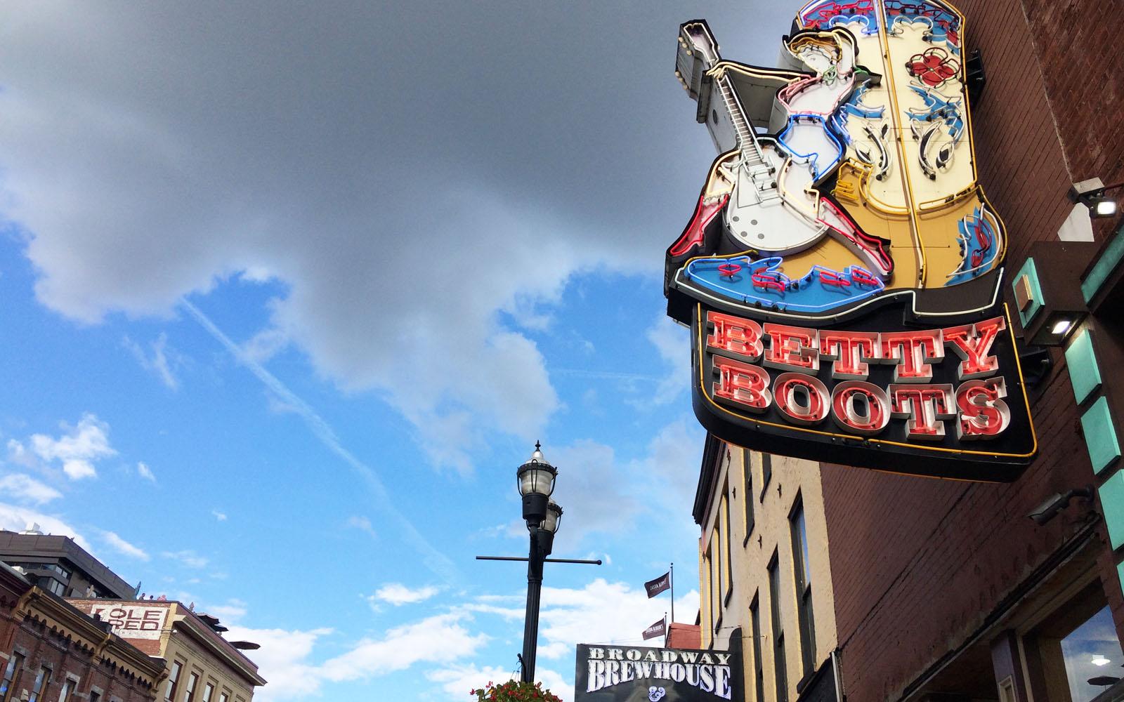 Uno dei tanti negozi di Nashville dove comprare stivali in stile cow-boy.