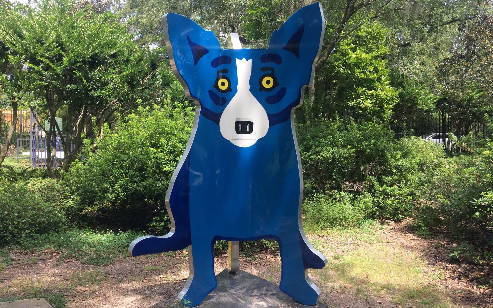 Uno dei 'Blue Dog' di George Rodrigue nel giardino del Museo d'Arte del City Park.