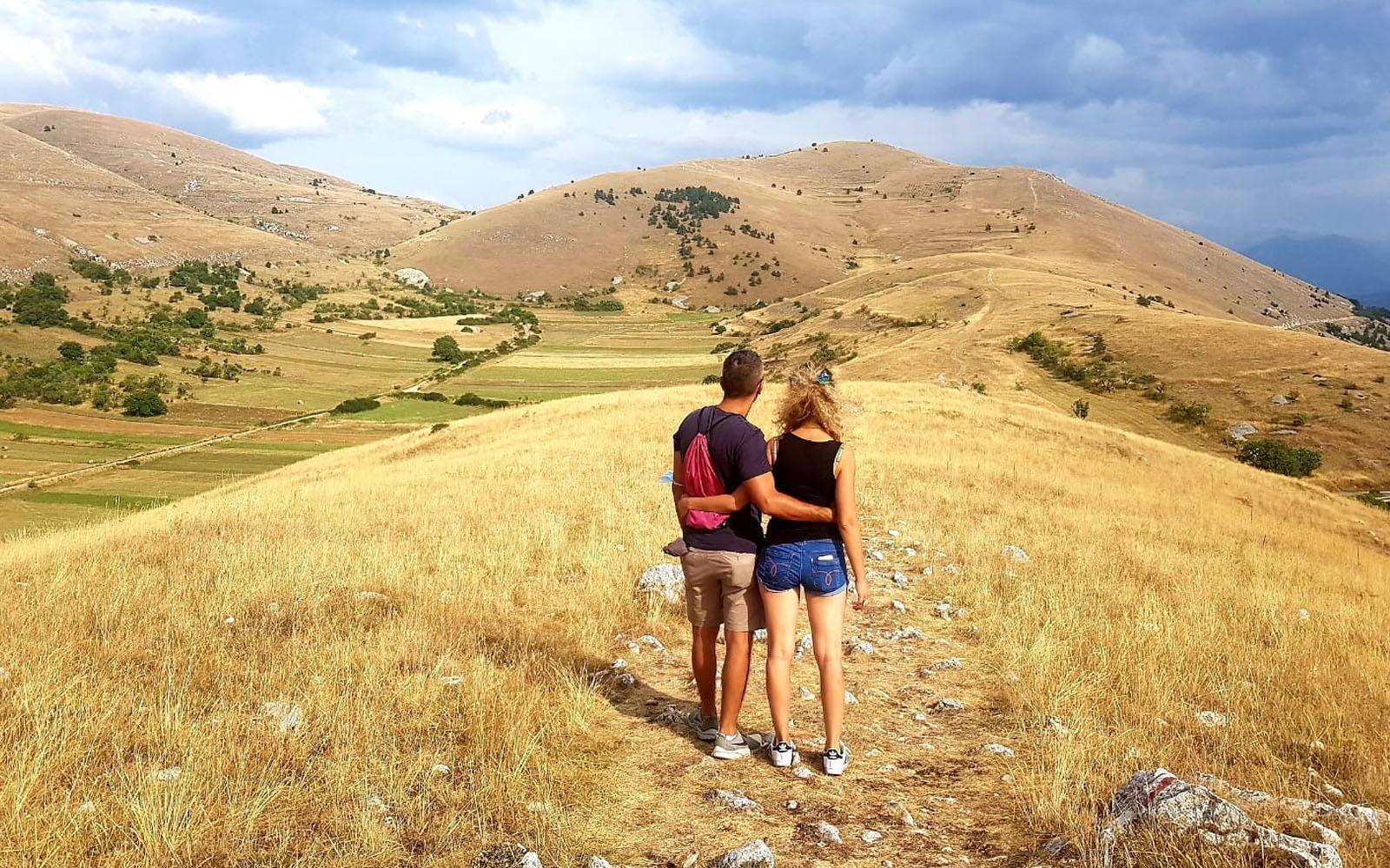 Lungo il percorso panoramico che conduce a Rocca Calascio.
