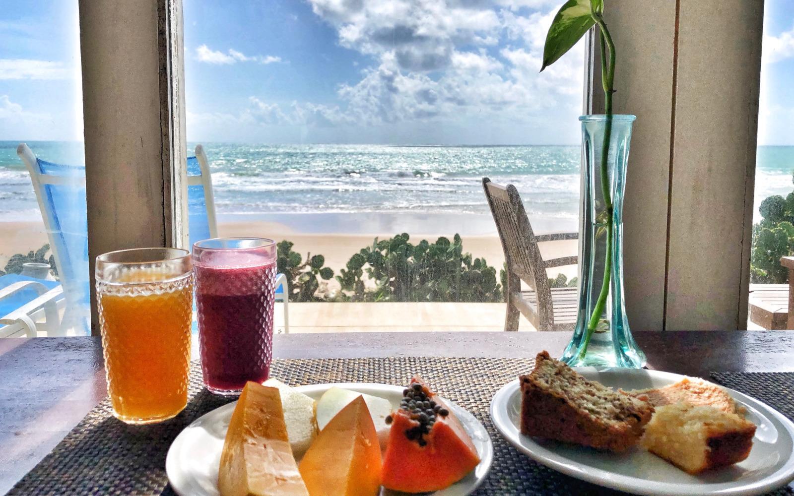 La colazione vista Oceano alla pousada Tabajuba. © oltreilbalcone