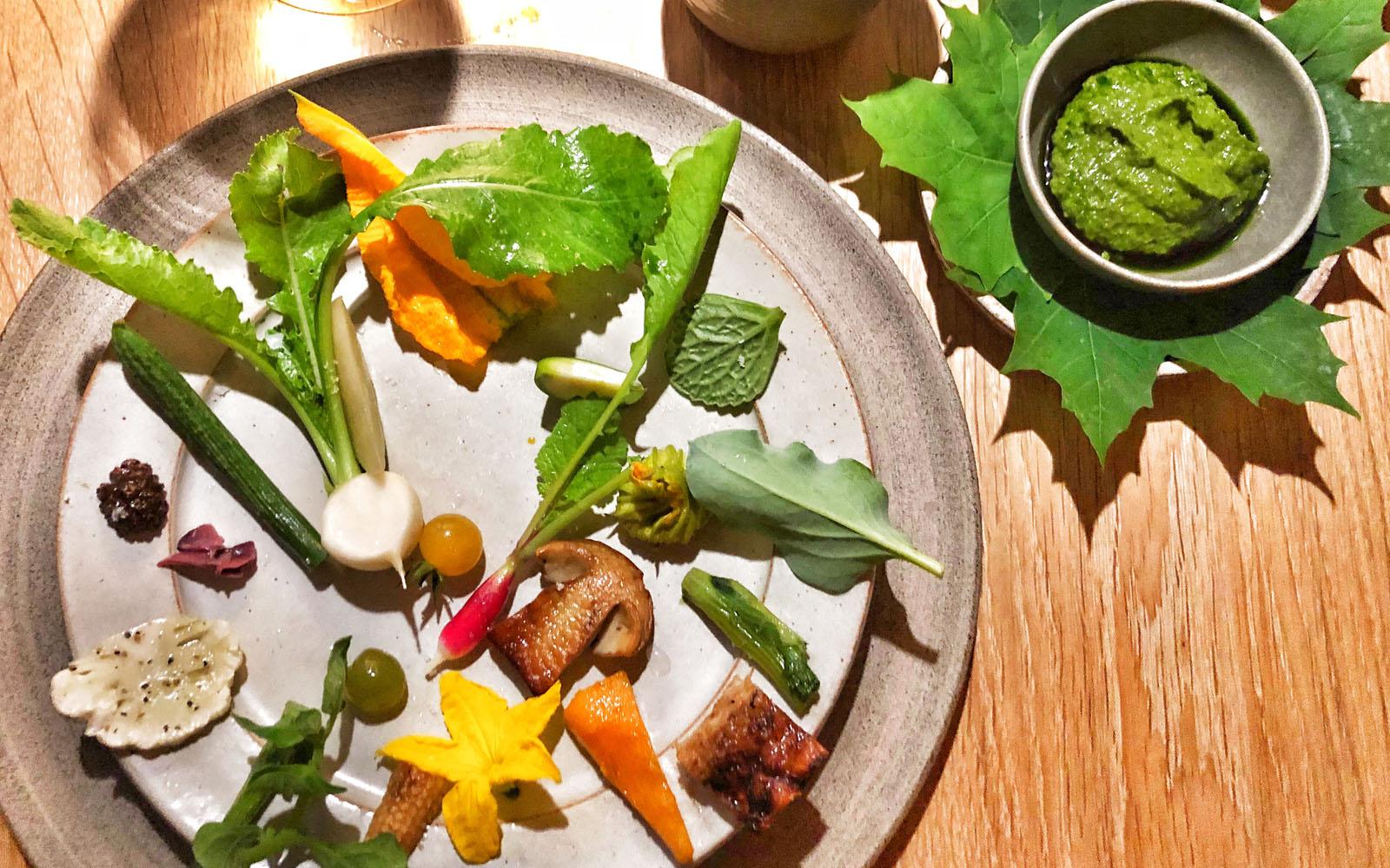 Il piatto Fantasia dall'Orto di René Redzepi al Noma di Copenaghen. © oltreilbalcone
