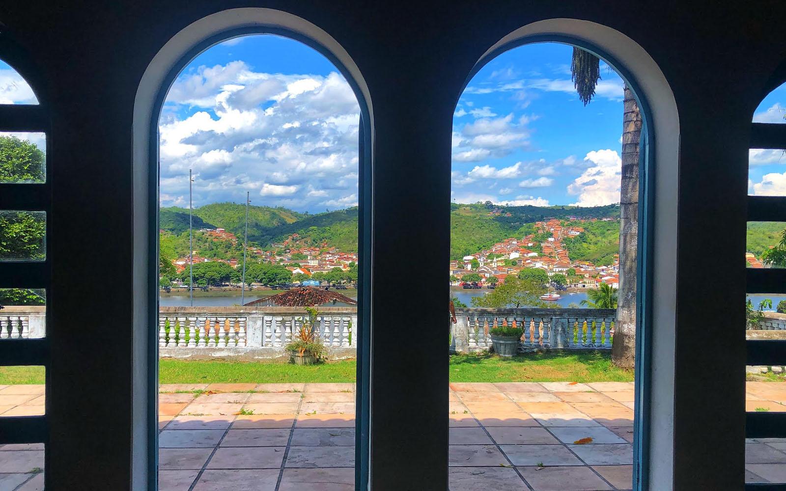 Veduta su Cachoeira e il fiume dalla casa-museo di Heinz a São Felix. © oltreilbalcone
