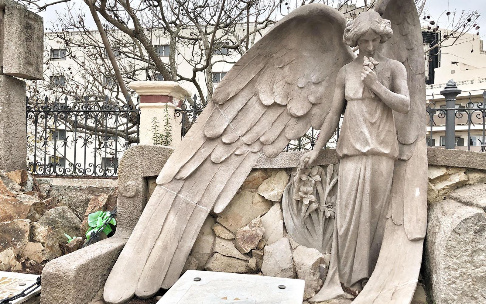 Uno scorcio del Cimitero Modernista di Lloret de Mar. © oltreilbalcone