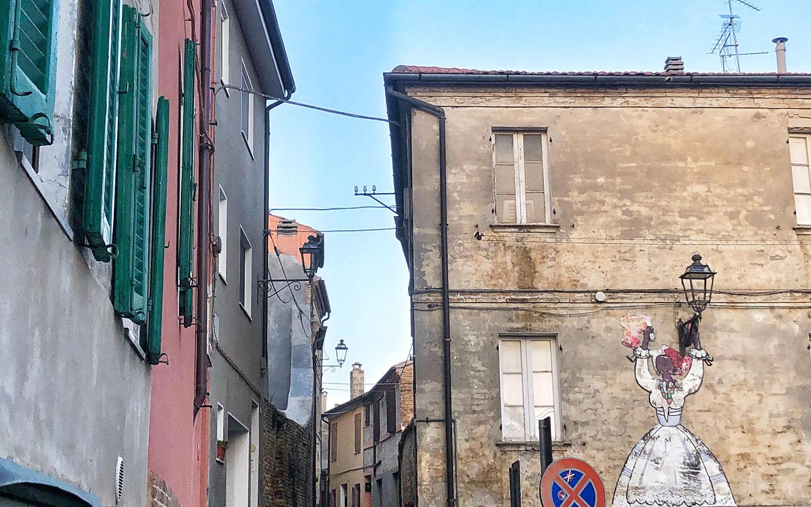 Uno scorcio del centro storico di Potenza Picena. © oltreilbalcone