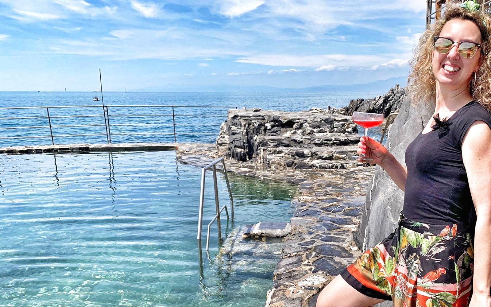 La piscina d'acqua naturale dei Bagni Medusa, a Genova Nervi. © oltreilbalcone