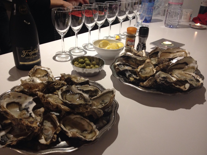 Ostriche e vino bianco.