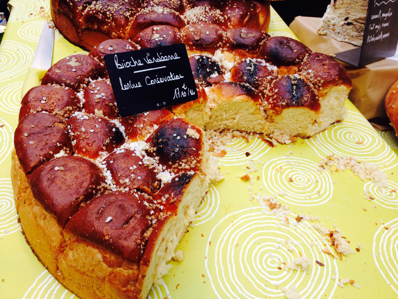 Torta in vendita al Marché des Capucins di Bordeaux.